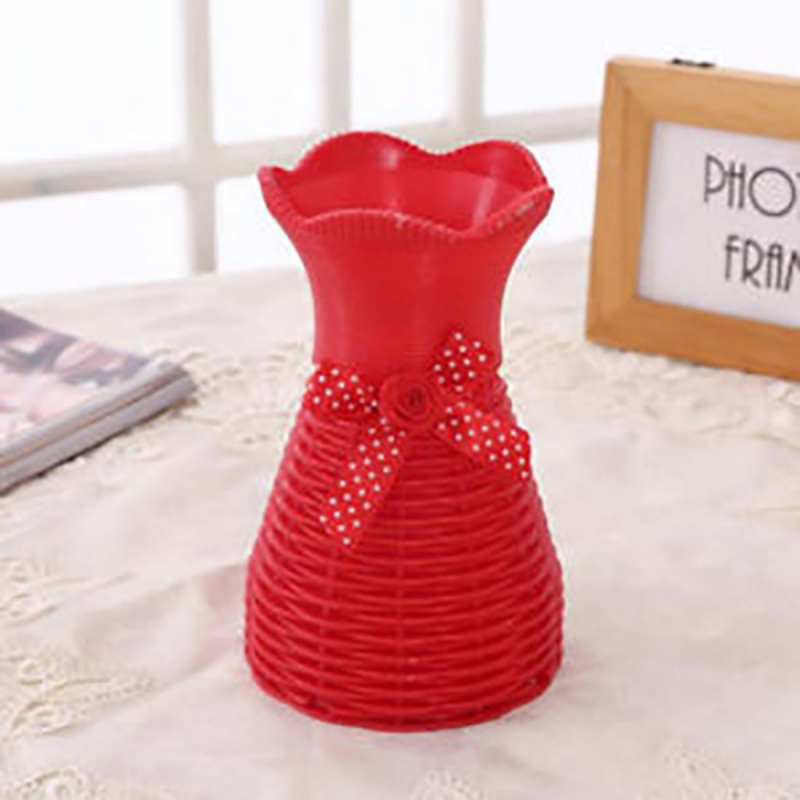Plastic Red Vase for home Decor (1 Piece)