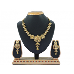 Generic Women's Alloy Necklace set (Gold)