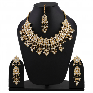 Designer High-Grade Kundan Necklace Set with Earrings and Maang Tikka