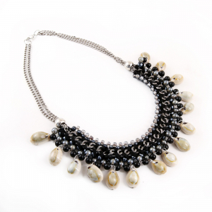 Designer Fashion Shell Beads Necklace