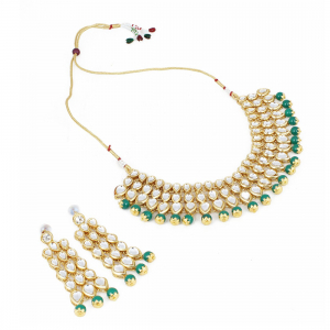 Stylish Gold Plated Kundan Necklace Set Set with Earrings