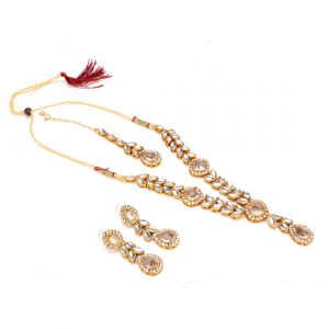 Gold Plated Traditional Kundan Necklace Set with Earrings and Maang Tikka